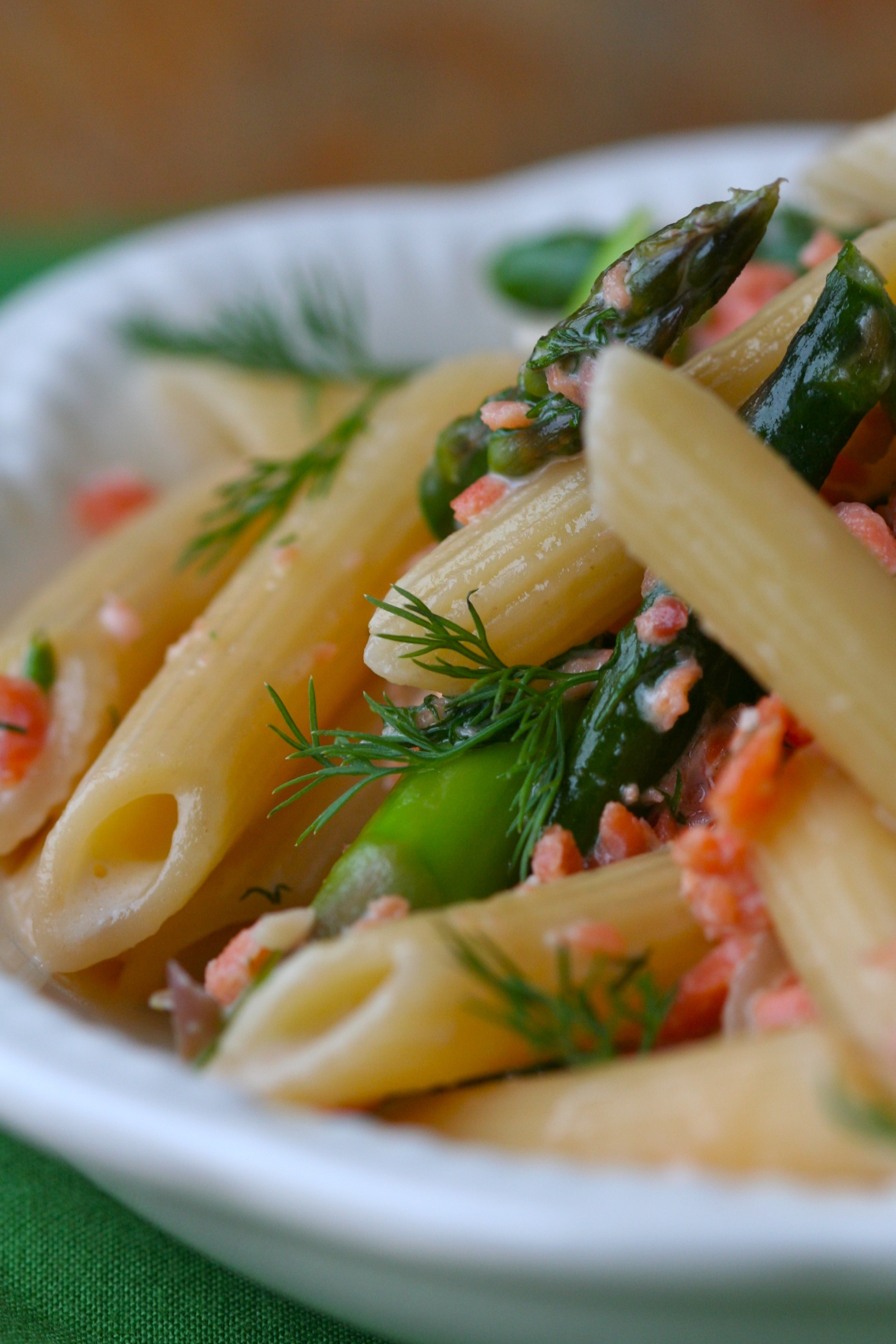 ... / Recipes / Main Dishes / Penne with Asparagus and Salmon-Dill Cream